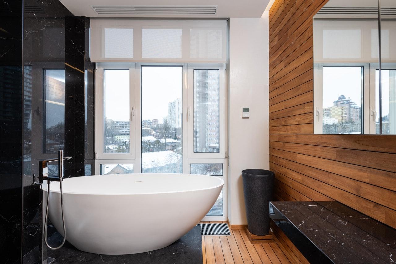 TOP 3 osłon do okien łazienkowych